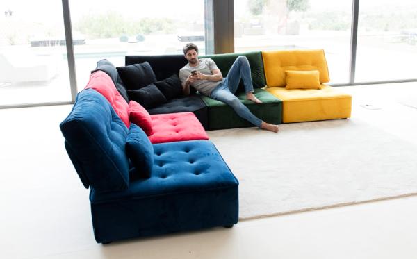 γωνιακός καναπές σε κομμάτια