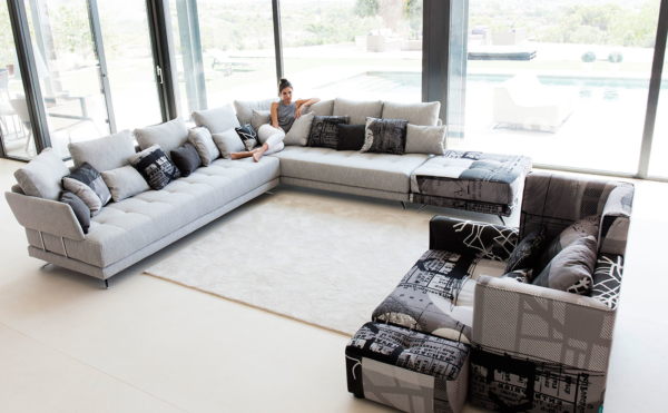 καναπές γωνία με ύφασμα εφημερίδα