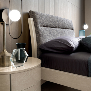 πομπέ κρεβάτι οβάλ κομοδίνο