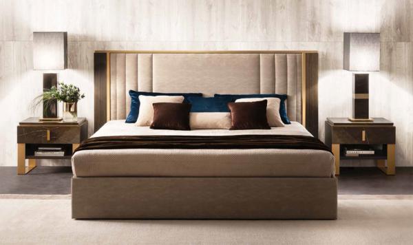 κρεβάτι υφασμάτινο με χρυσές λεπτομέρειες